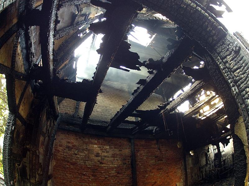 """Spłonął budynek po """"Tawernie"""" [FOTO/WIDEO]"""