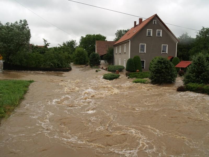 Problemy z remontami po powodzi?
