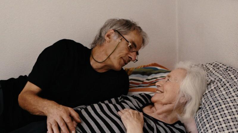 2012_FilmStills_VMN_1_Malte und Gretel Sieveking im Haus in Bad Homburg