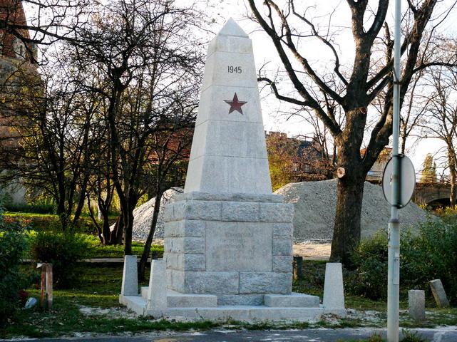pomnik Strzegom