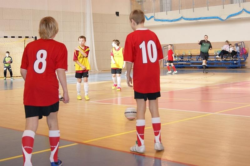 Ferie na sportowo -rozgrywki na hali w Witoszowie Dolnym