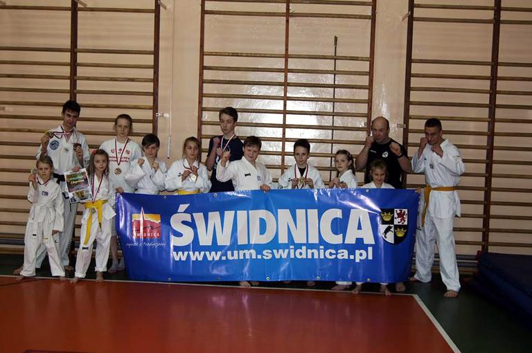Medale świdnickich fighterów w Oleśnicy