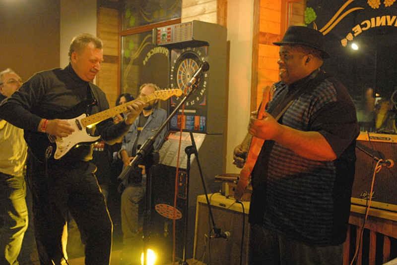 Artur Szlifierski Blues a Live
