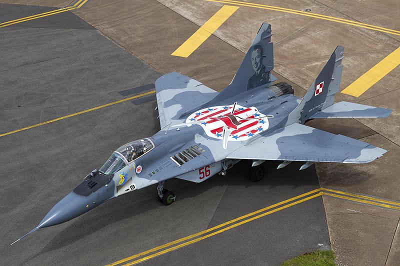 Polish_Air_Force_Mikoyan-Gurevich_MiG-29A_(9-12A)_Lofting-1