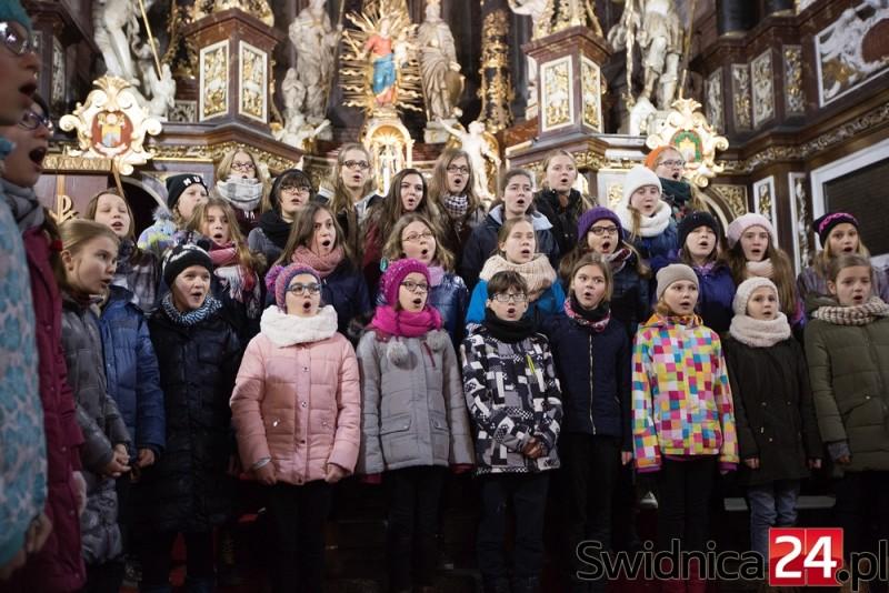Chóry w kościele (15)