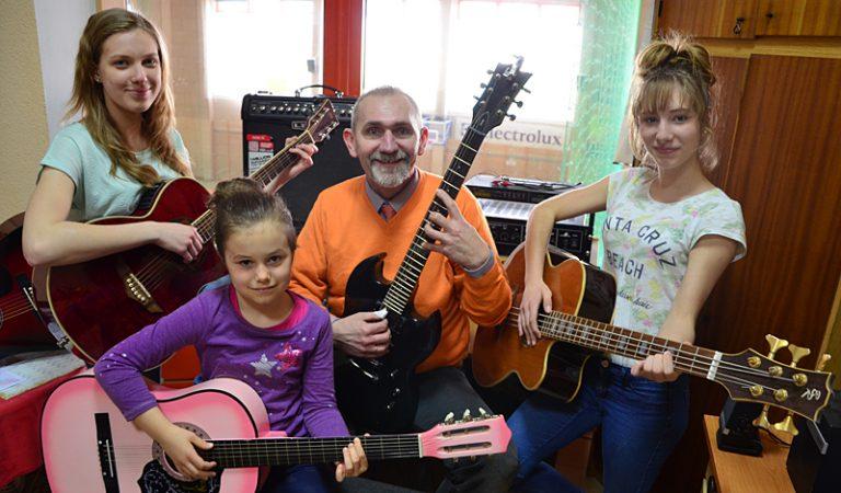 Żarowianie w gitarowym rekordzie Guinnessa