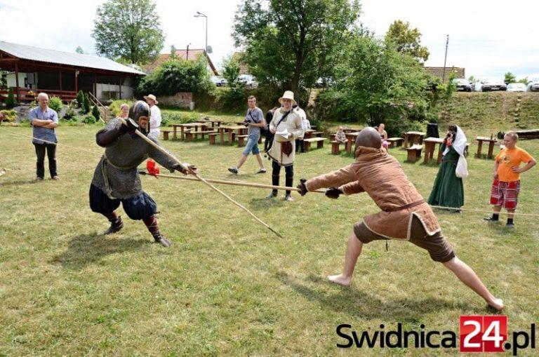 Obóz średniowieczny w Nowicach 25 sierpnia