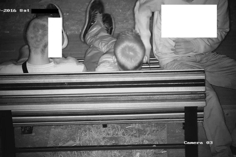Niszczył nową ławkę przy bosmanacie [FOTO]
