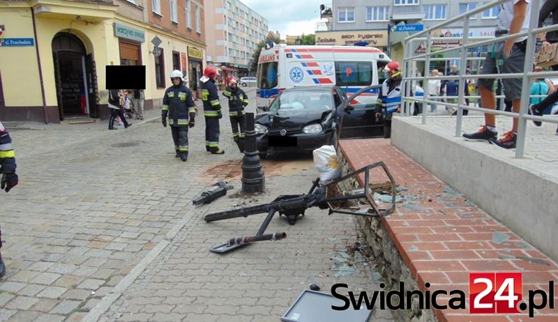 wypadek latarnia (2)