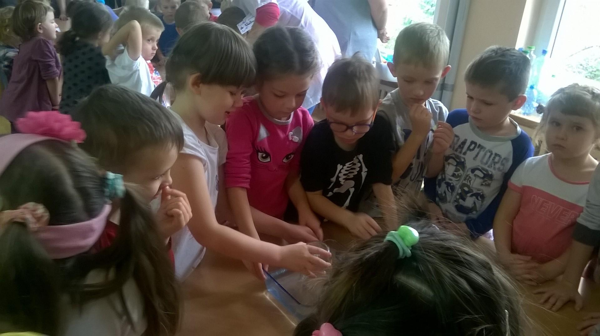 przdeszkolaki-eksperymentuja-1