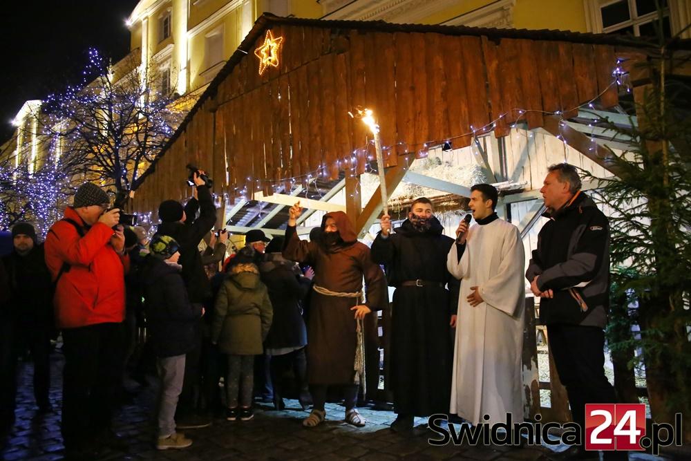 wigilia-na-rynku-2016-12-18-jpg-21