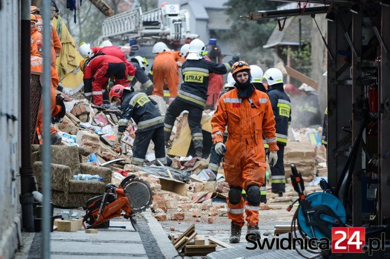Świebodziczanie pamiętająo ofiarach katastrofy budowlanej