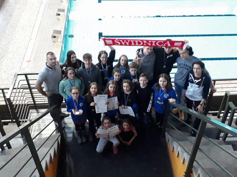 Grad medali pływaków Neptuna Świdnica