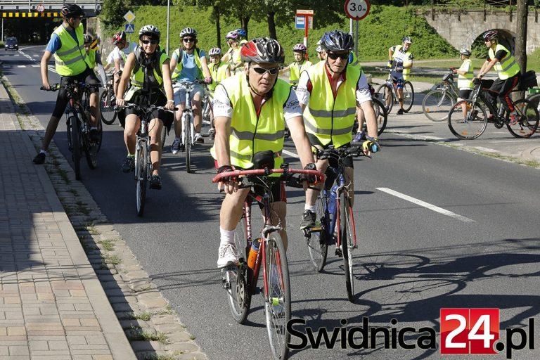 Odkrywają zakątki regionu na rowerach!