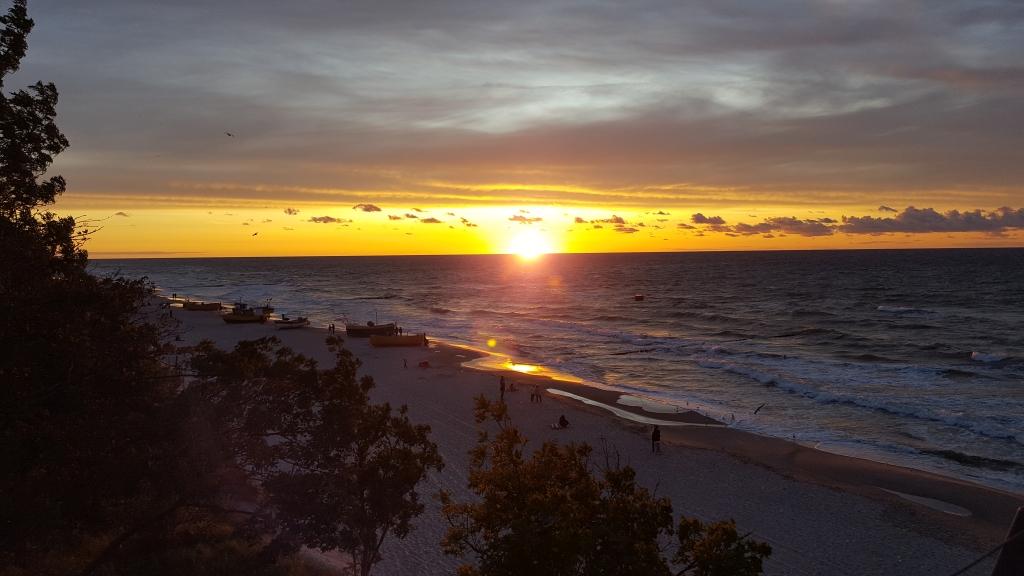 Zachód słońca nad plażą w Rewalu, fot. Anna Musiał