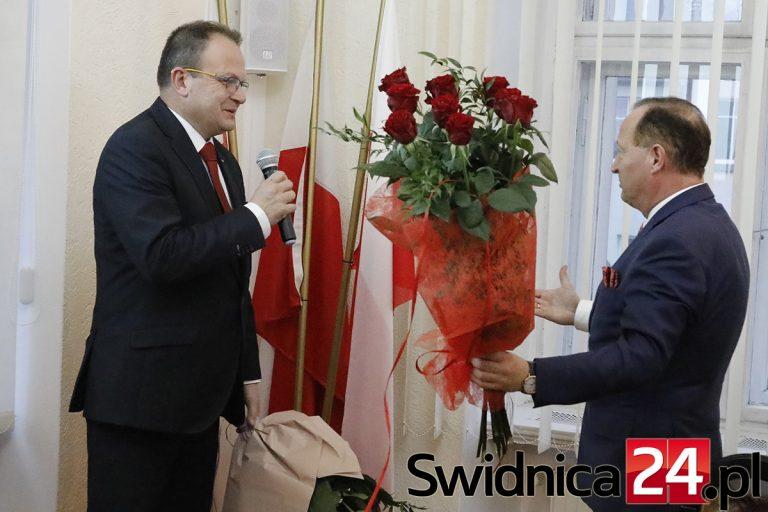 Referendum w sprawie odwołania burmistrza Świebodzic jeszcze w kwietniu? Na razie obniżono mu pensję