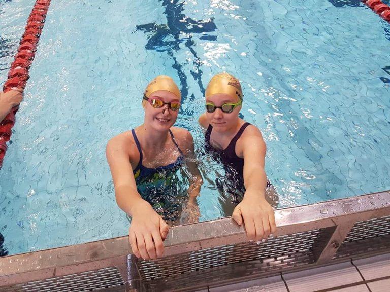 Pracowita końcówka roku pływaków Rekina [FOTO]