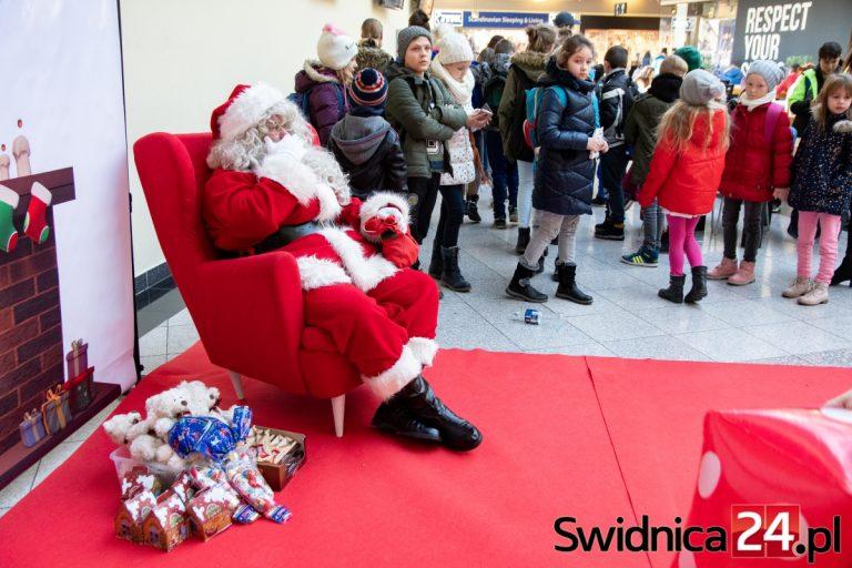 Spotkanie z Mikołajem i pluszakowe warsztaty w Galerii Świdnickiej [FOTO]