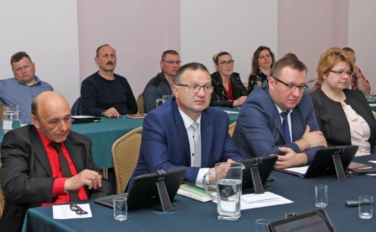 Samorządowcy z Dobromierza debatowali o drogowych inwestycjach