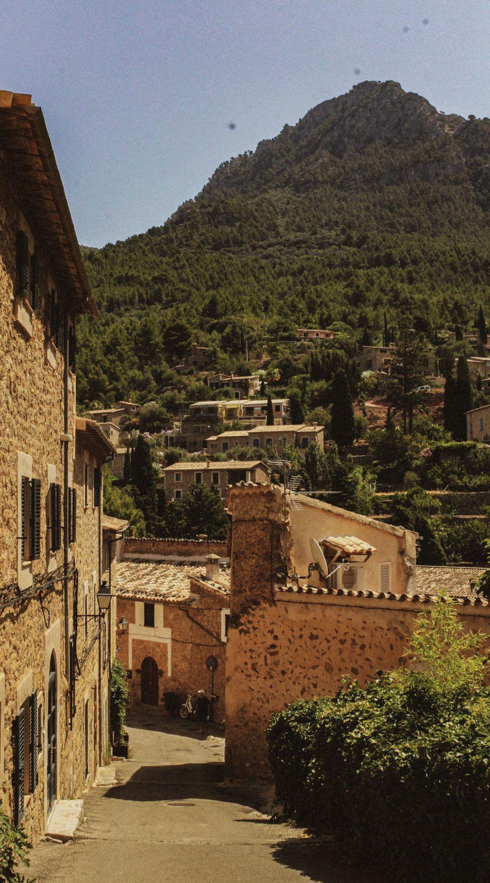 Majorka, miejscowość Deià, fot. Zuzanna Czernicka