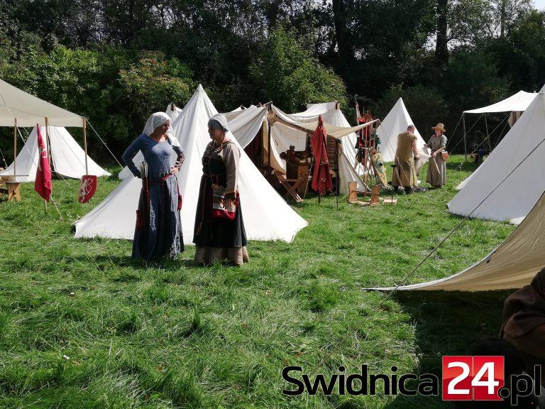 Średniowieczne klimaty w Nowicach [FOTO]