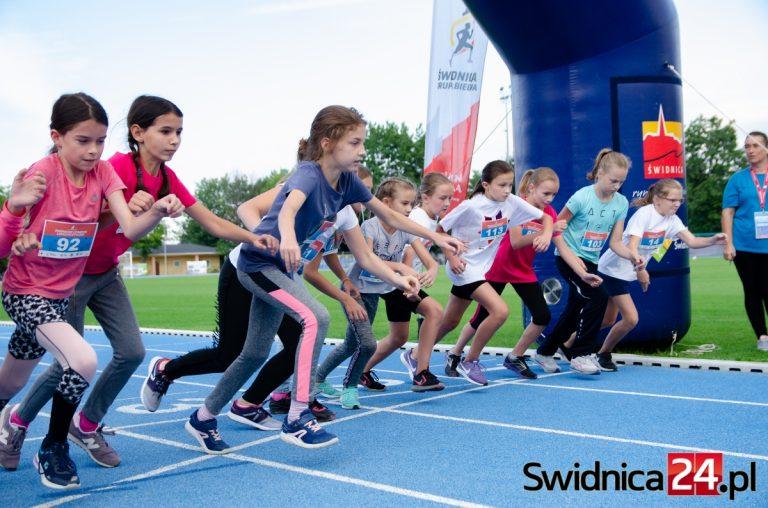 """Młodzi lekkoatleci na start. W czwartek spotkanie z """"królową sportu"""""""
