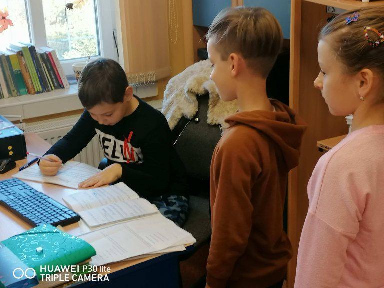 Dzieci przejęły władzę  w szkole w Mrowinach