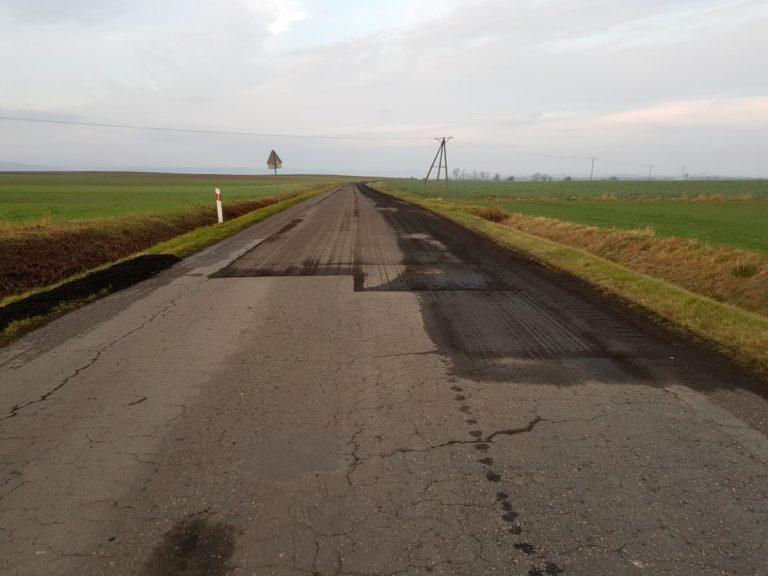 Drogi Zebrzydów-Mysłaków i Jagodnik-Wirki do remontu. Ruszyły pierwsze prace