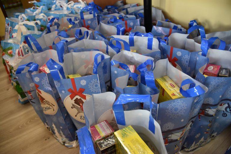 Paczki żywnościowe powędrowały do potrzebujących