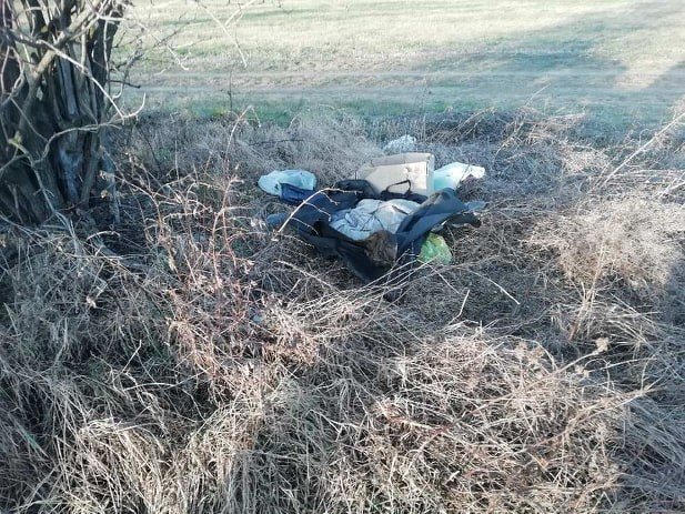 Świdniczanin pozbył się śmieci pod Miłochowem. Sprząta i płaci