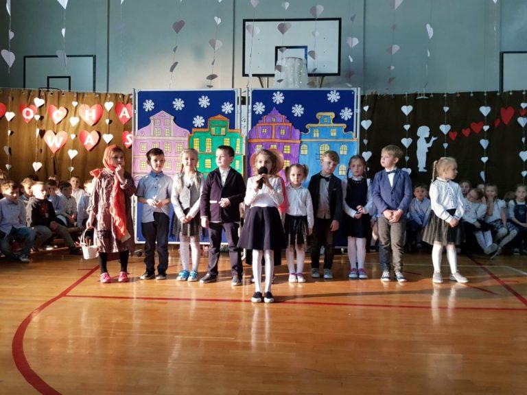 Uczniowie z gminy Marcinowice pamiętali o Dniu Babci i Dziadka