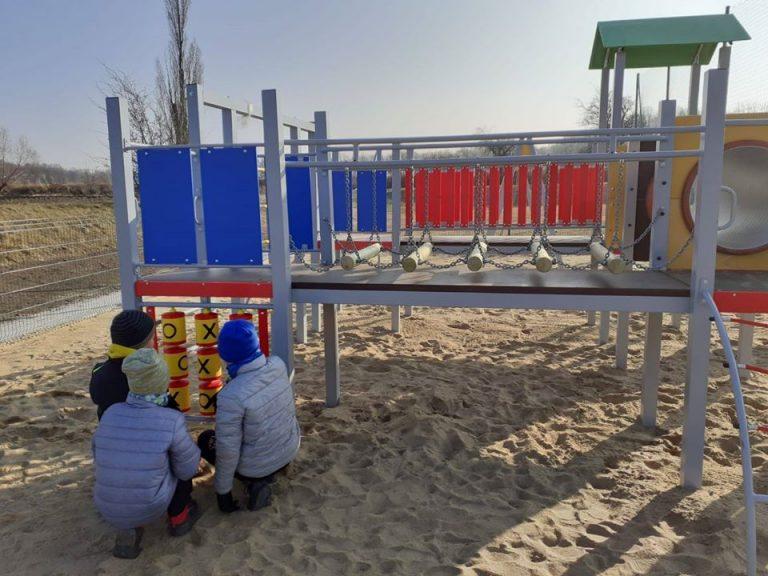 Nowy plac zabaw w świebodzickiej dzielnicy Ciernie