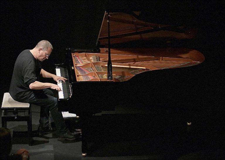 Słynny pianista CHRIS JARRETT z koncertem w Świdnicy [ROZWIĄZANIE KONKURSU]