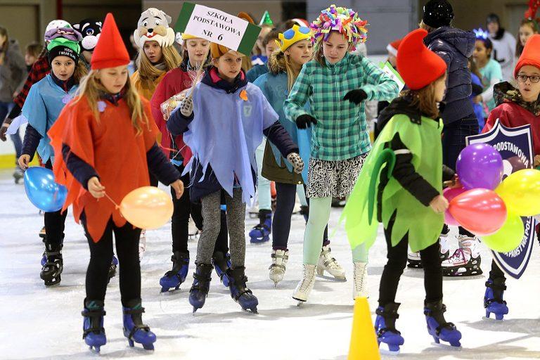 Sportowa rywalizacja na lodzie