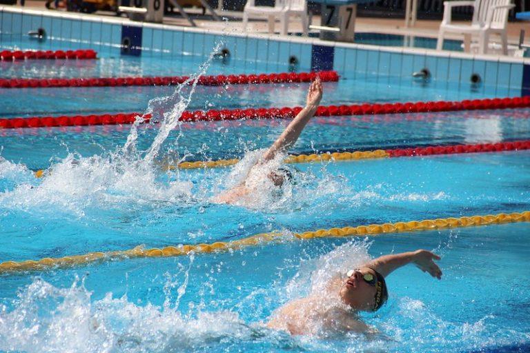 """Świdnicka """"czwórka"""" zaprasza trzecioklasistów na zawody pływackie"""