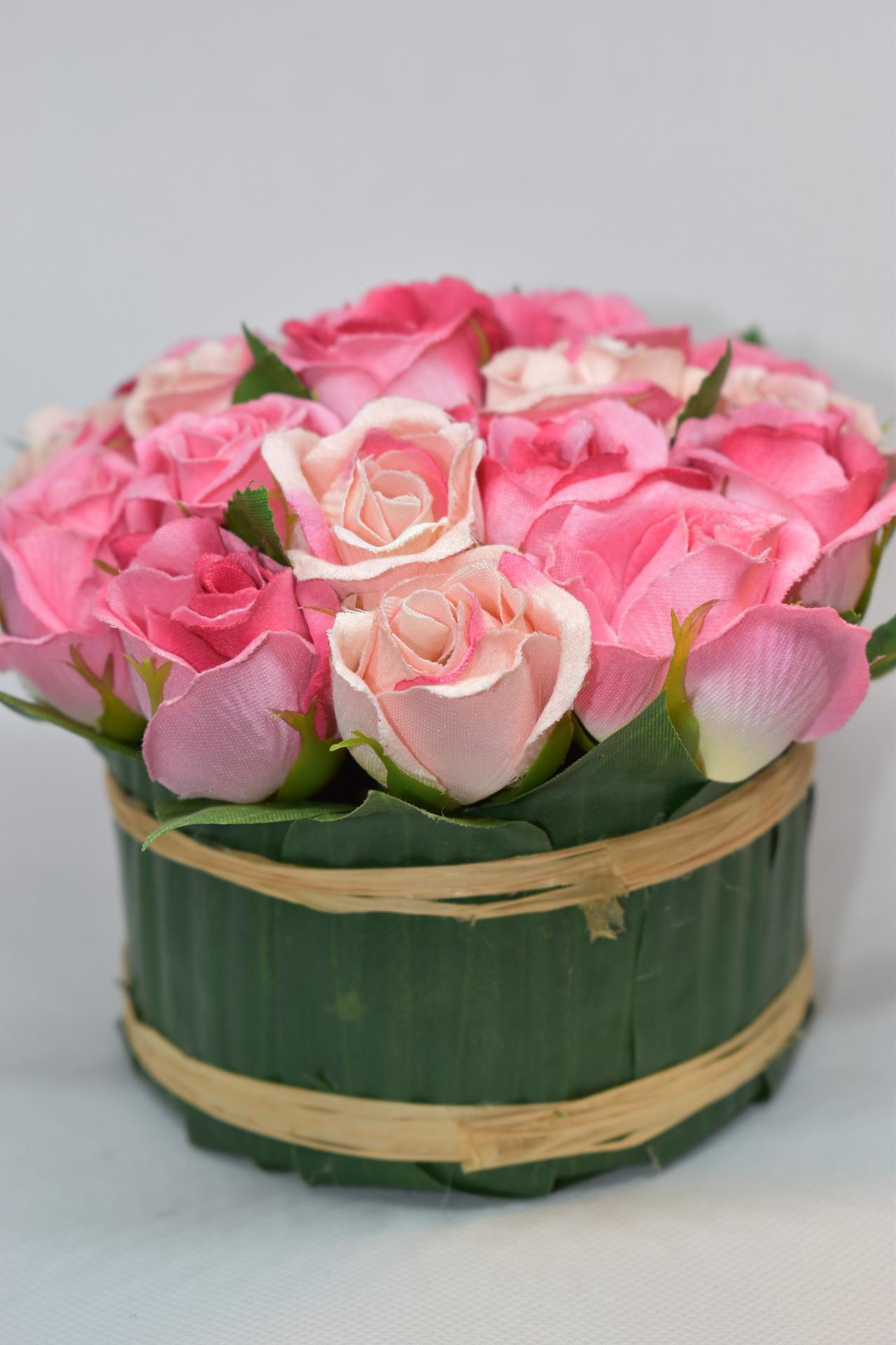 dekoracje z kwiatów sztucznych