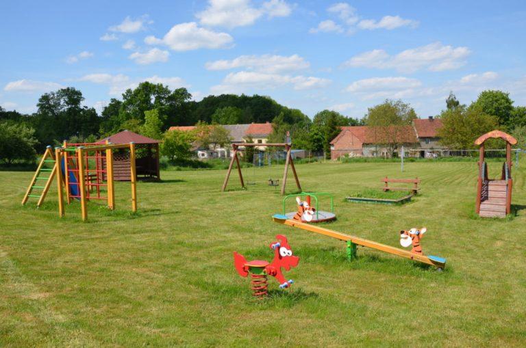 Zakaz wstępu na place zabaw i boiska w gminie Marcinowice