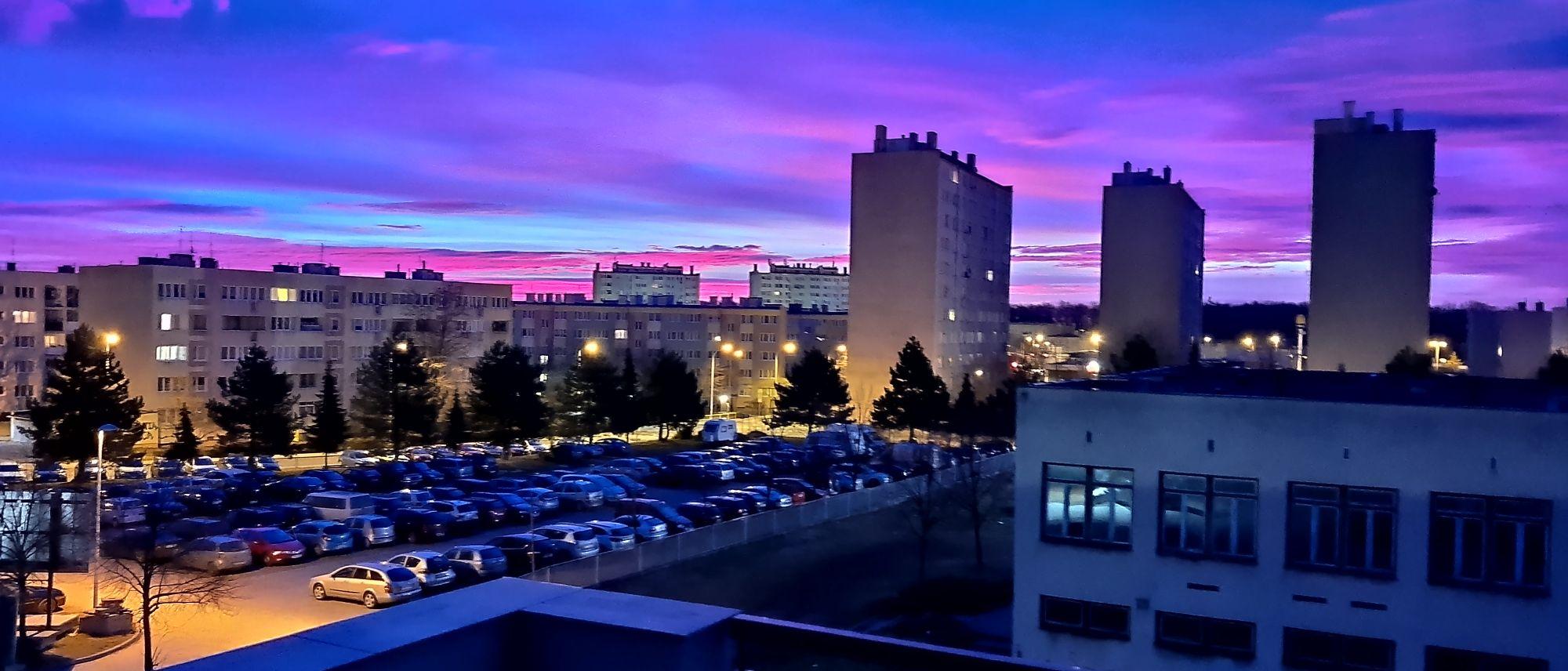 Wschód słońca nad Osiedlem Młodych,16 luty 2020, fot. Tomasz Modrzejewski