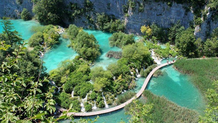 Jeziora Plitwickie – zielony zakątek Chorwacji