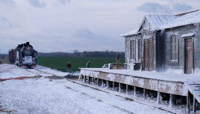 Kolejowa bocznica pod Pastuchowem zamieniła się w plan filmowy. Kręcono zdjęcia do serialu historycznego [FOTO]