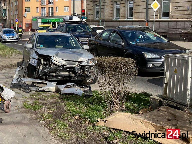 Zderzenie na skrzyżowaniu Wrocławskiej z Wodną [FOTO]