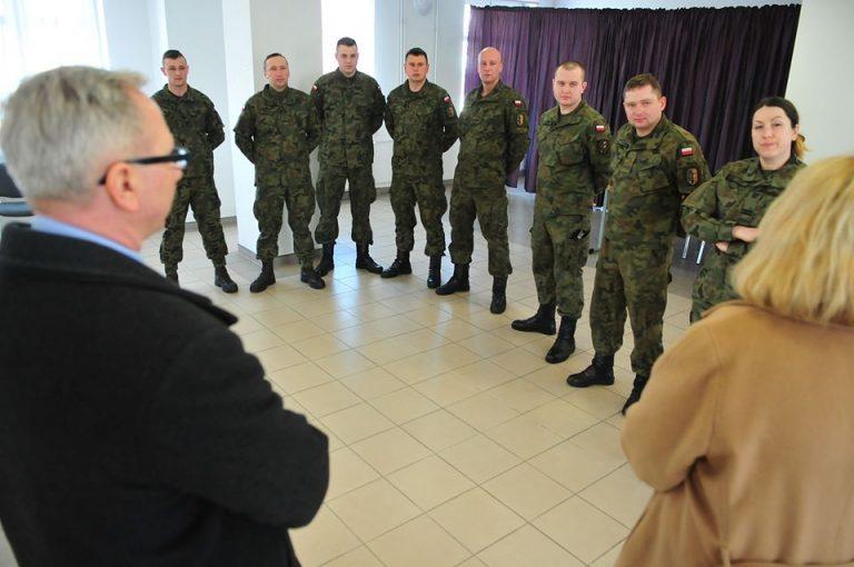 Wojsko pomaga świdnickiej policji podczas epidemii