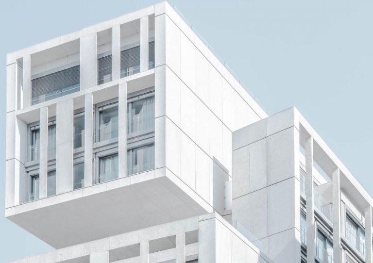 Jak ustalić przyczynę zawilgocenia budynku?