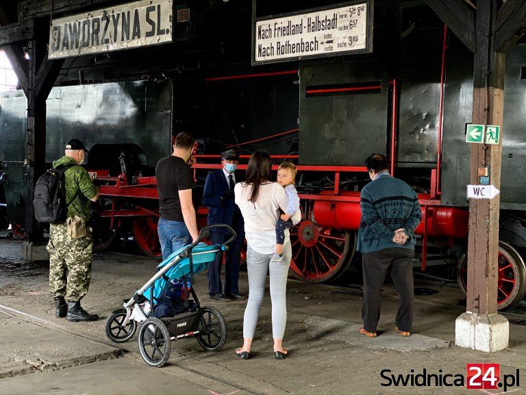 Bramy Muzeum Kolejnictwa w Jaworzynie Śląskiej ponownie otwarte! [FOTO]