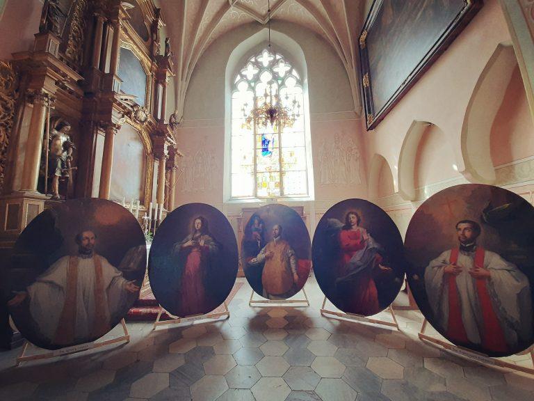 Odrestaurowane obrazy wróciły do świdnickiej katedry