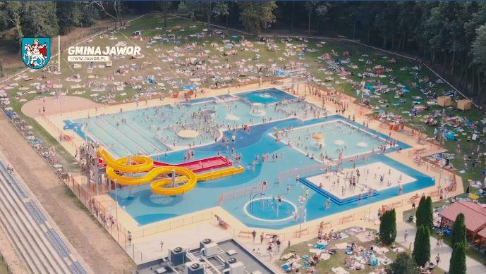 Jawor z nowym basenem, kąpiele w Strzegomiu i Świebodzicach [VIDEO]