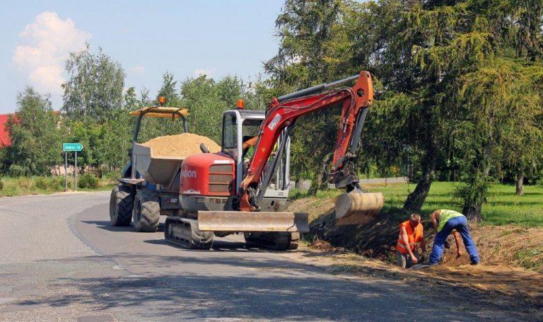 Remontują powiatową trasę z Dobromierza do Jugowej [FOTO]