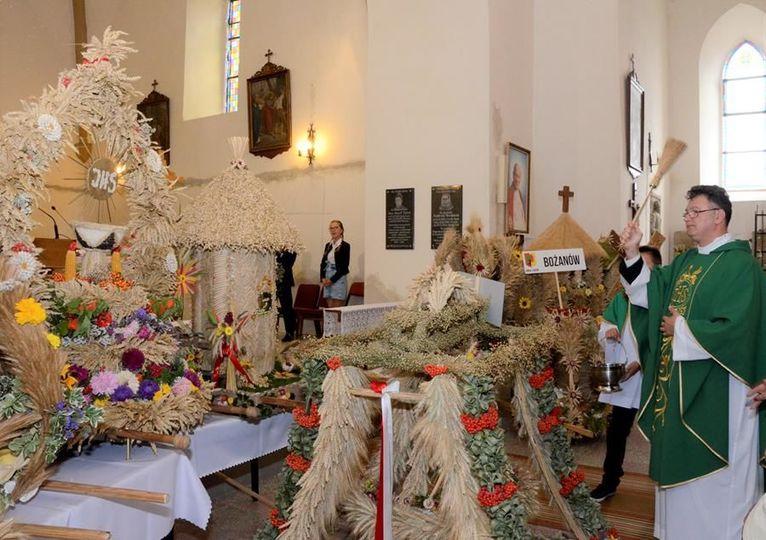Dożynki w gminie Żarów ograniczone do dziękczynnej mszy