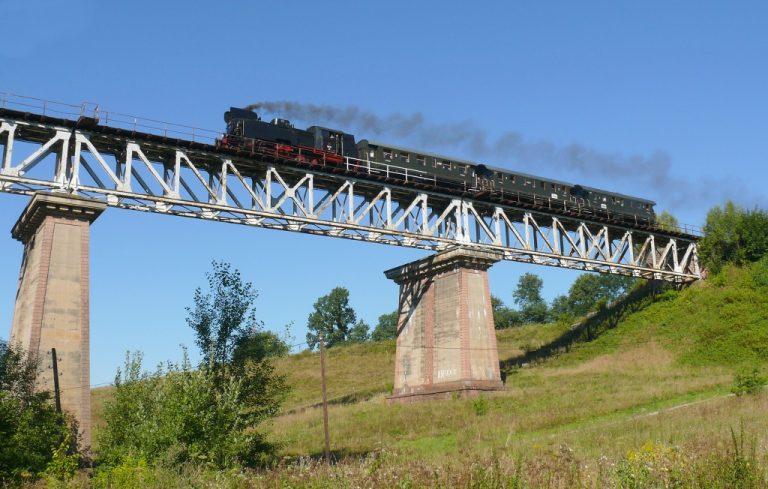 Weekend pod parą. Muzealny pociąg wyruszy na jedną z najbardziej malowniczych tras w Polsce