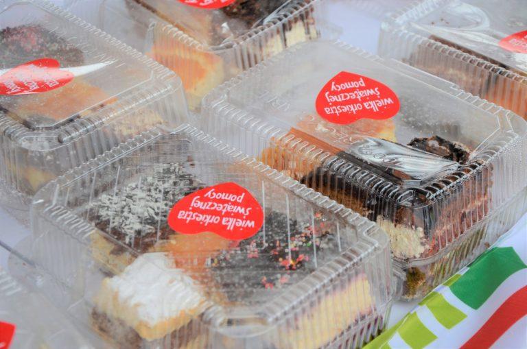 29. finał WOŚP w Żarowie. Orkiestrowy kiermasz z ciastami i rękodziełem [FOTO]